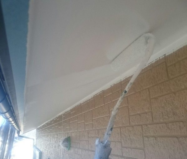 三重県伊勢市 外壁塗装・付帯部塗装 軒天 ローラー塗装
