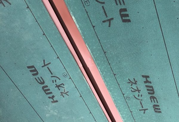 三重県津市 屋根カバー工法(重ね葺き工事) ケイミュー アスファルトルーフィング NEOシート ガルバリウム鋼板